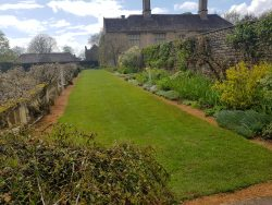 Cadenham Manor 01